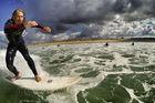 Lär dig surfa i Frankrike i sommar